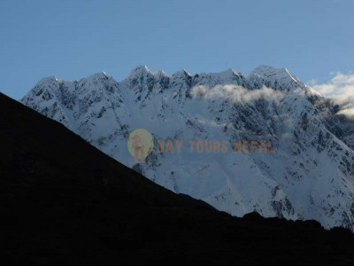 Everest Base Camp yoga trek season