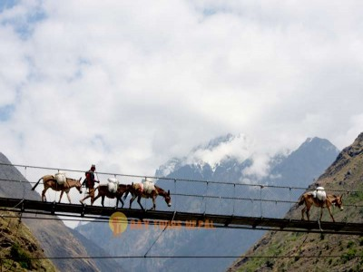 Manaslu Circuit Trekking Trail Nepal
