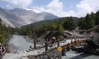 throungla pass trekking annapurna nepal